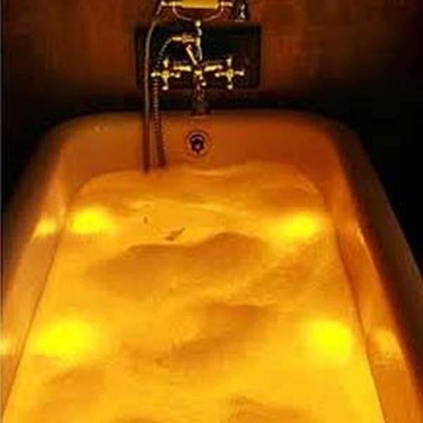 Flacon pour préparation de bain parfumé senteurs SPA